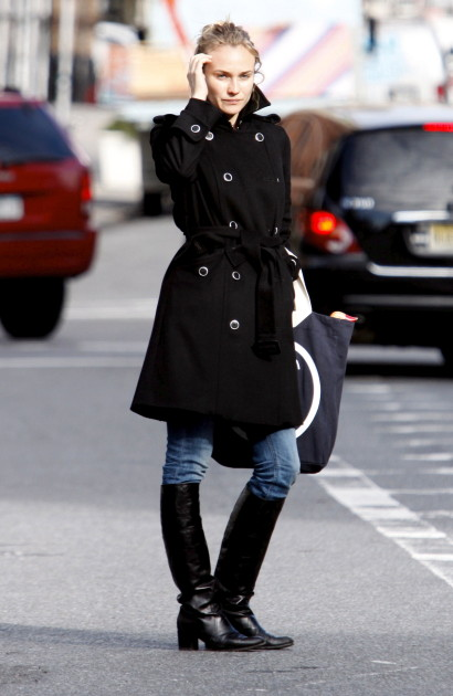 Diane Kruger Hails a Cab in NYC