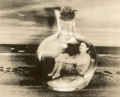 mujer en botella[1]