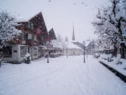 20071121gstaad_promenade_first_snow