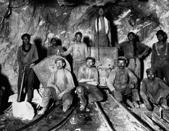 inicios-un-trabajo-duro.-los-vaqueros-los-invento-levi-strauss-en-1873-para-vestir-a-los-min