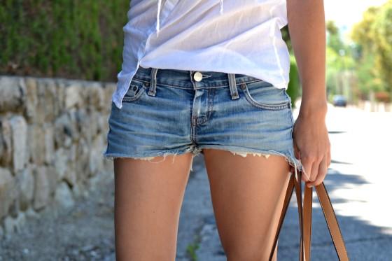 la-reina-del-low-cost-blog-de-moda-barata-style-outfit-tendencias-primavera-2013-look-festival-verano-2013-bandas-de-pelo-mywool-shorts-levis-converse-bajitas-bolso-parfois-verano-2013-2
