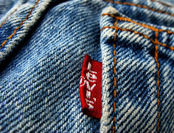 Levis-etiqueta-roja