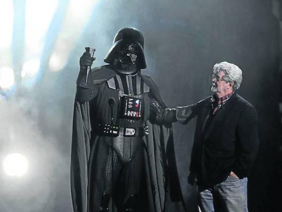 Fuerza-Vader-George-Disney-AP_CLAIMA20121031_0009_14