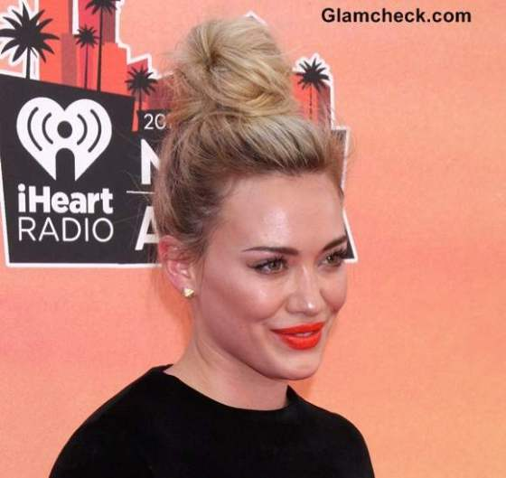 Hilary-Duff-Top-Knot-Hairstyle-2014