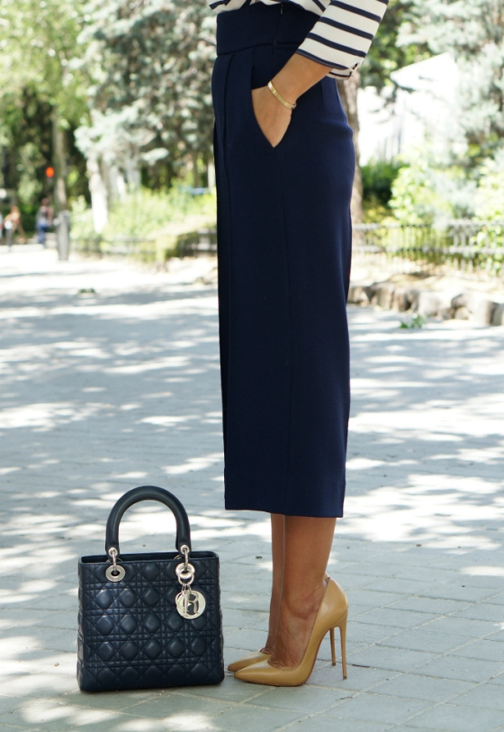 03-street style-culottes-trend-navy-so kate-kid-nude-blush 2-christian louboutin-lady dior-blue-dior-con dos tacones-c2t