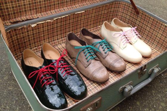 guardar-zapatos-en-la-maleta